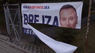 Janikowo. Policja ujęła wandala, który niszczył plakaty opozycji
