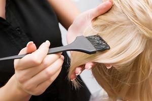 Rozjaśnianie włosów - czy ten zabieg jest bezpieczny w ciąży i w trakcie połogu?