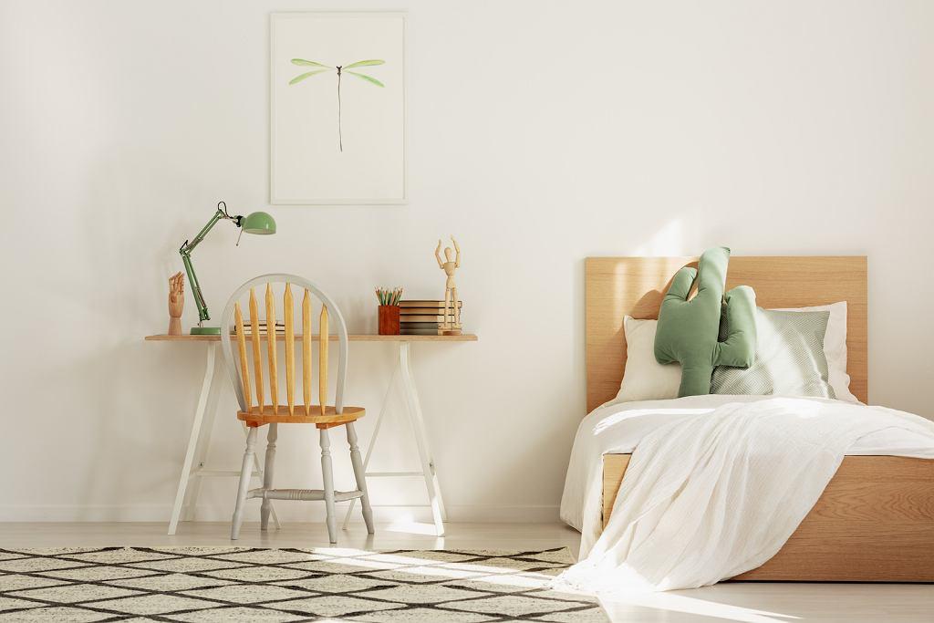 Drewniane łóżko dla dzieci.