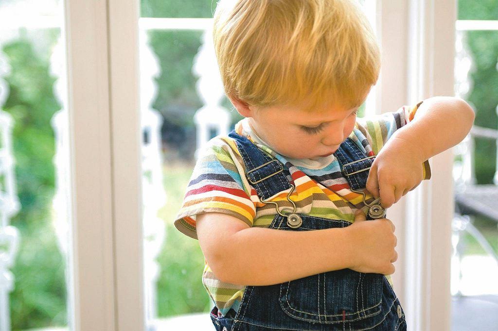 Wyręczanie dziecka w codziennych sprawach to więcej szkody niż pożytku