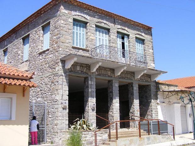 Dawna tawerna na sprzedaż w Grecji.
