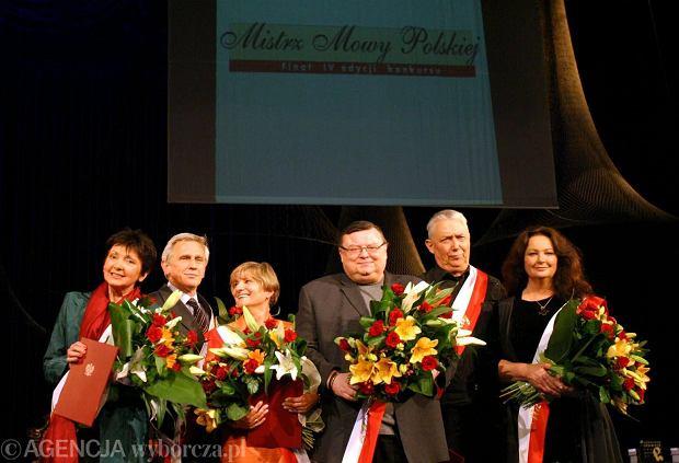 Laureaci konkursu Mistrz Mowy Polskiej w 2004 roku.