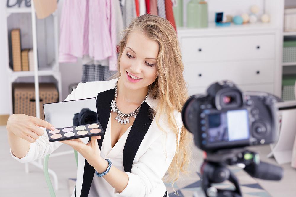 Jak wykonać makijaż