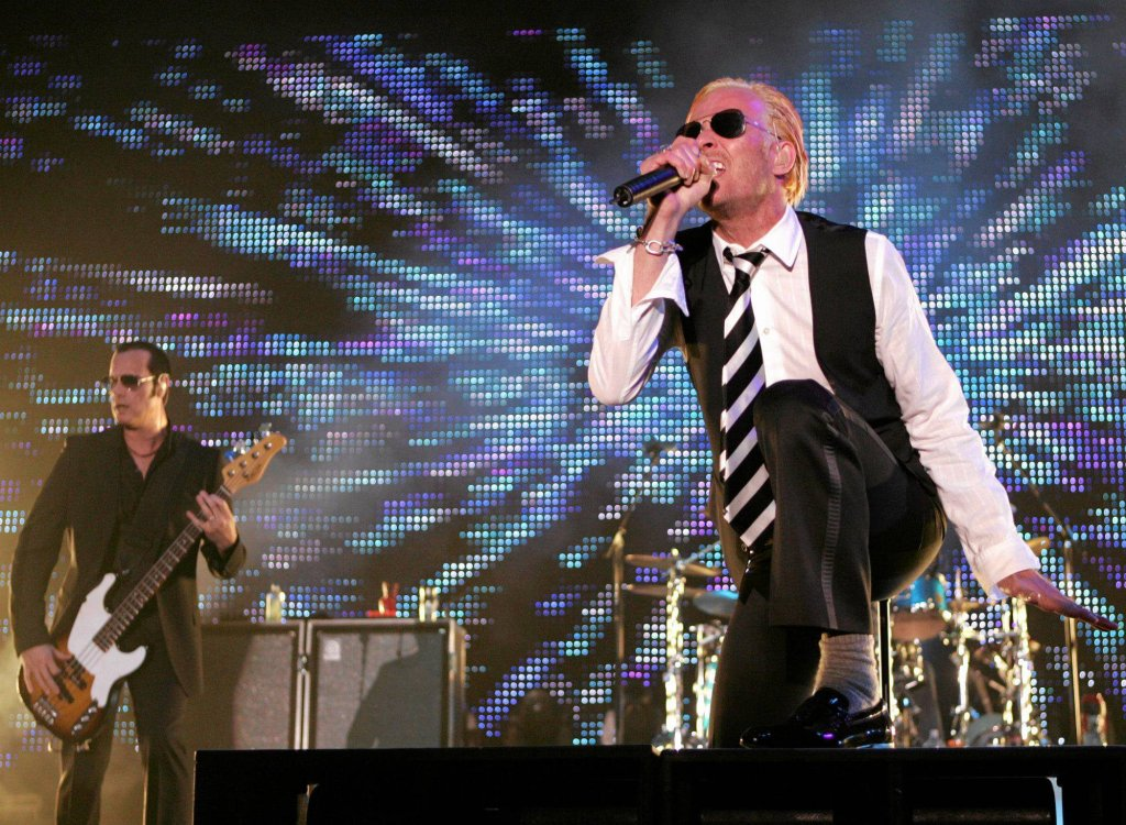 Scott Weiland i basista Robert DeLeo na koncercie Stone Temple Pilots. Rock on the Range w Columbus, 2008
