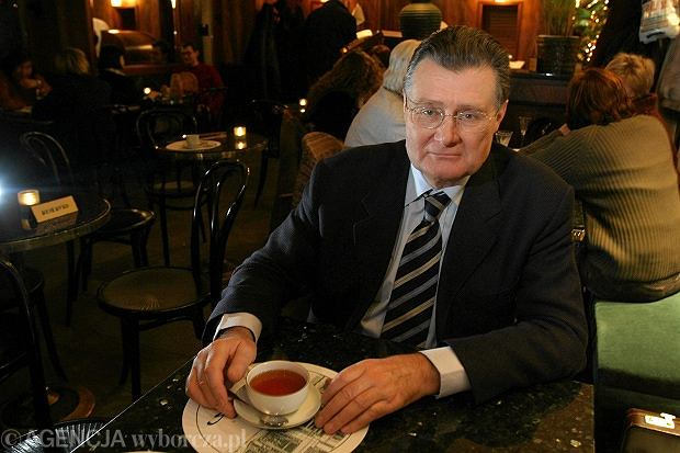 Andrzej Blikle w kawiarni na placu Wilsona