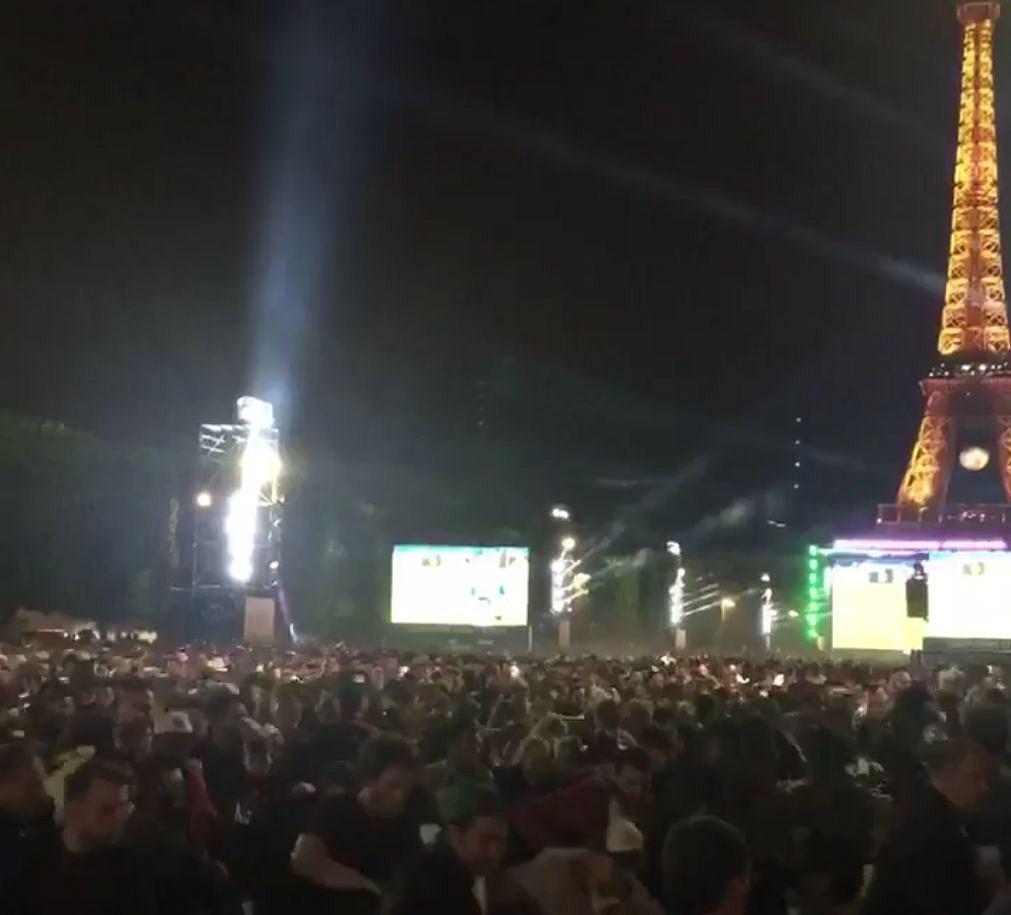 Panika w paryskiej strefie kibica