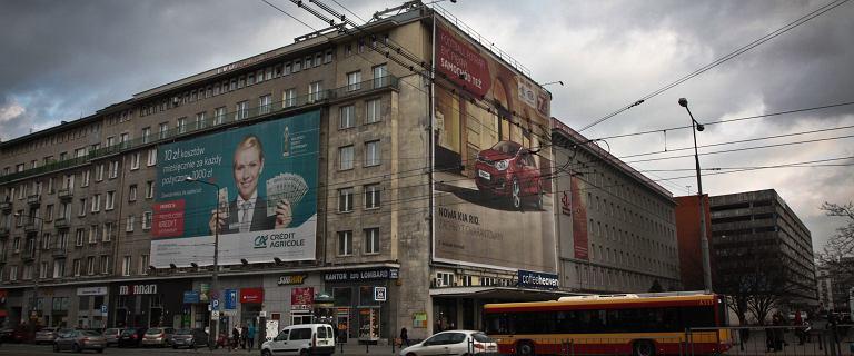 """Koniec szpetnych billboardów i """"reklamozy"""". Warszawa przyjęła uchwałę krajobrazową"""