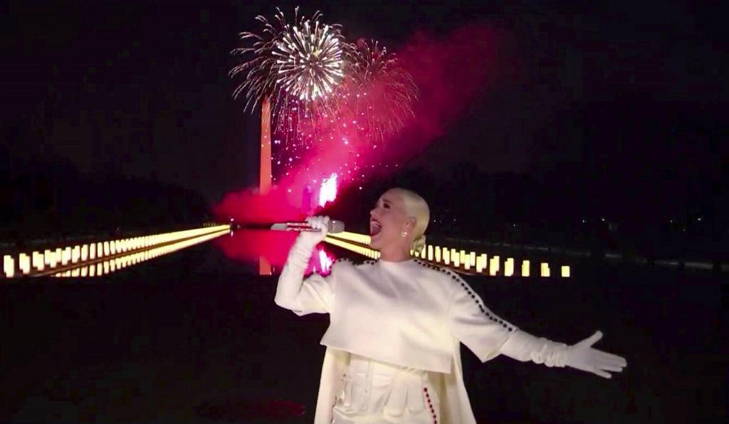 Katy Perry podczas koncertu Celebrating America)