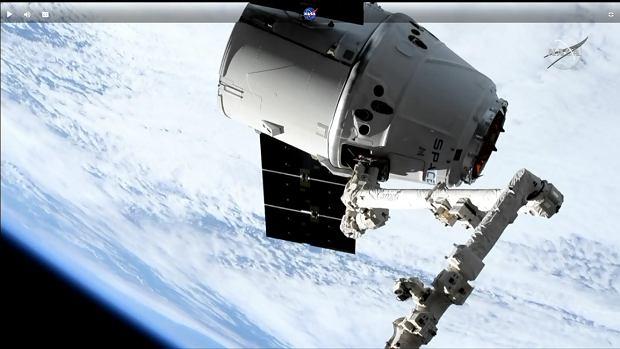 Kapsuła Dragon dokuje do Międzynarodowej Stacji Kosmicznej