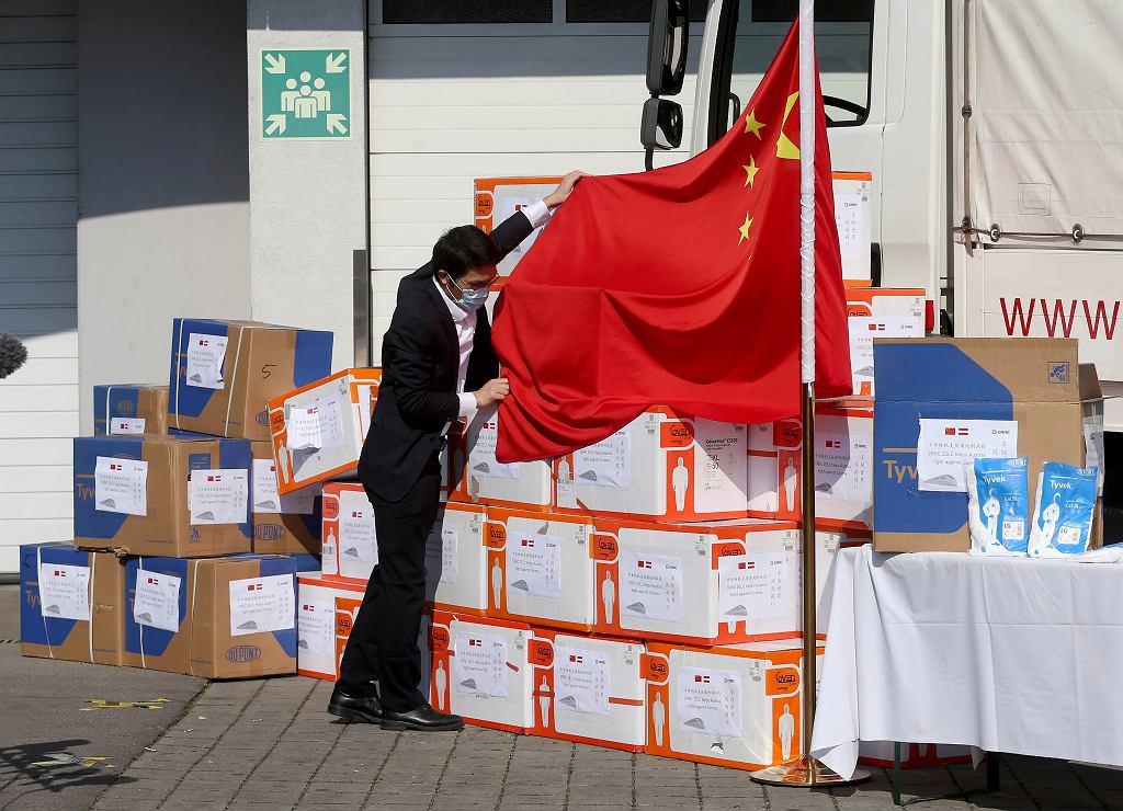 Środki ochronne przekazane przez chińską firmę Austrii