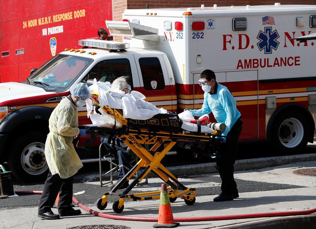 Najczarniejszy dzień epidemii w USA. Prawie 2000 zgonów w ciągu doby (zdjęcie ilustracyjne)