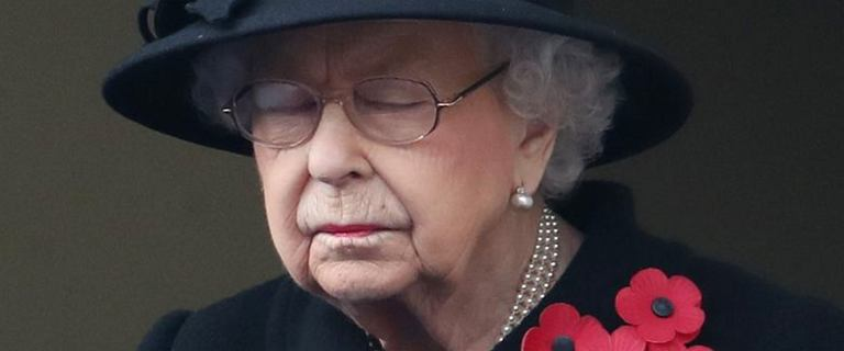 """Królowa nie może okazać uczuć podczas pogrzebu księcia Filipa. """"Chwila udręki"""""""