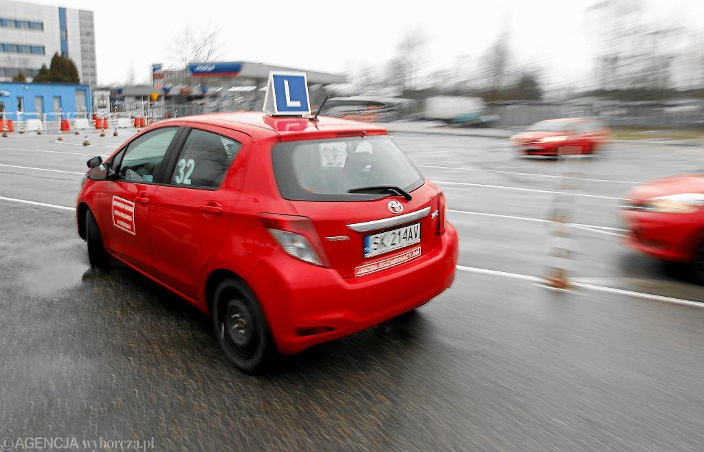 Egzamin na prawo jazdy (zdjęcie ilustracyjne)