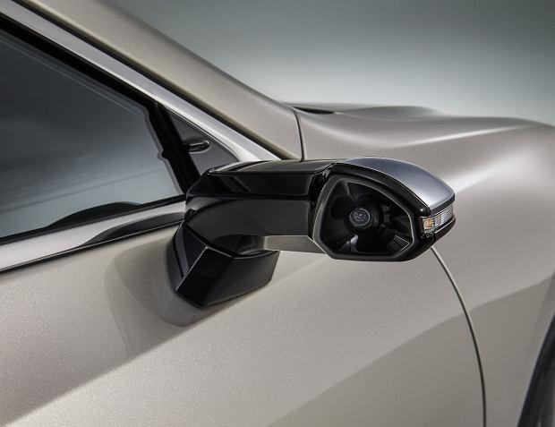 Lexus ES Digital Outer Mirrors