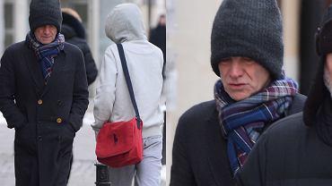 W poniedziałek wieczorem Sting przyjechał do Polski. Przed dzisiejszą wizytą w studio 'Dzień dobry TVN' wybrał się na wycieczkę ulicami Warszawy. Jego niepozorny wygląd nie przyciągał uwagi przechodniów. Kto wie, może ktoś z Was mijał go dzisiaj podczas drogi do pracy? Zobaczcie zdjęcia!