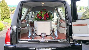 Sennik: pogrzeb. Co oznacza sen o pogrzebie? Zdjęcie ilustracyjne