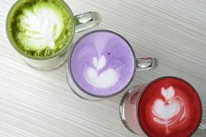 """Bez kawy, ale z owocami. To """"latte"""" będzie hitem lata"""