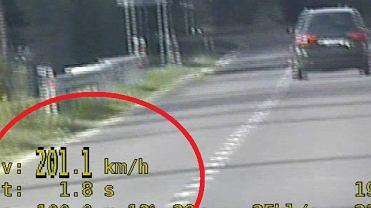 Radzyń Podl.: 26-latek pędził 200 km/h w obszarze zabudowanym