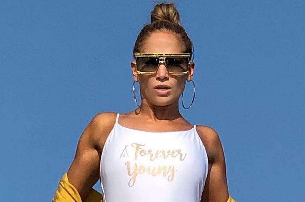 Jennifer Lopez pozuje na jachcie