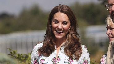 Księżna Kate w kolczykach za grosze