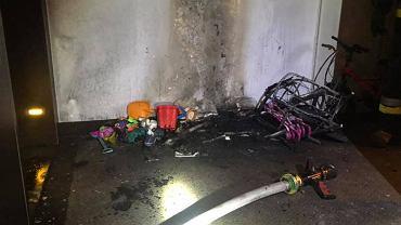 Przy ulicy Sokratesa zapaliły się rzeczy pozostawione na korytarzu