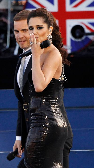 Cheryl Cole w sukni projektu Evy Minge