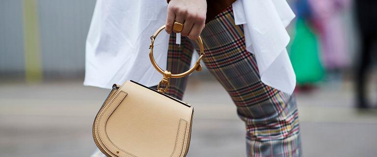 Spodnie w tym wzorze podbijają pokazy mody! Połączenie elegancji i stylu