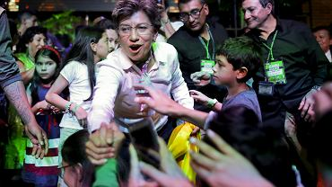 Kandydatka partii Zielonych na burmistrzynię Bogoty Claudia Lopez świętuje zwycięstwo w wyborach