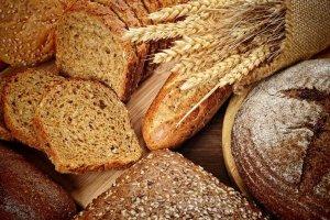 Chleb słonecznikowy bez słonecznika? Zdarza się! Jak wybrać najlepszy bochenek?