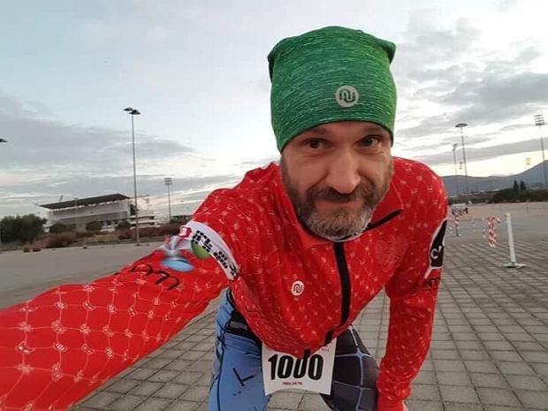 Zdjęcie numer 1 w galerii - Polak walczy o zwycięstwo w najbardziej morderczym biegu w Europie! Ogromna przewaga, ale też coraz większe problemy ze zdrowiem.