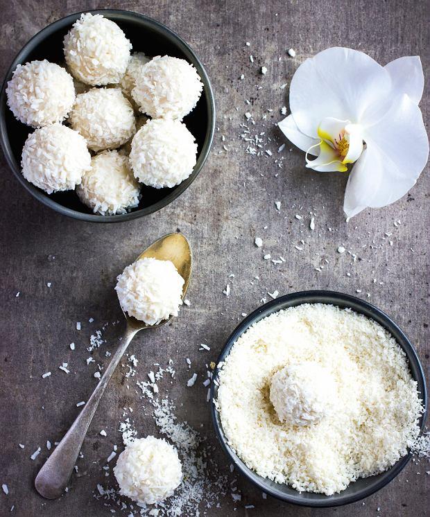 Kokosowe kulki zkaszy jaglanej - świetne na prezent