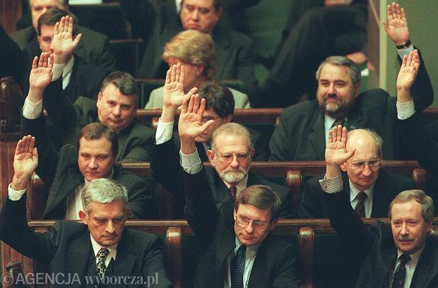 Głosowanie nad ratyfikacją przystąpienia Polski do NATO
