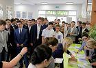 """Strajk nauczycieli. Egzaminy gimnazjalne się odbyły, """"ale niech minister Zalewska się nie uśmiecha"""""""
