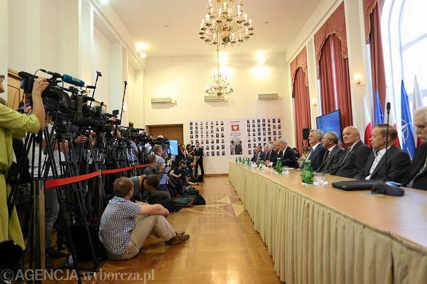 Konferencja prasowa przedstawicieli podkomisji smoleńskiej, 15.09.2016 r.