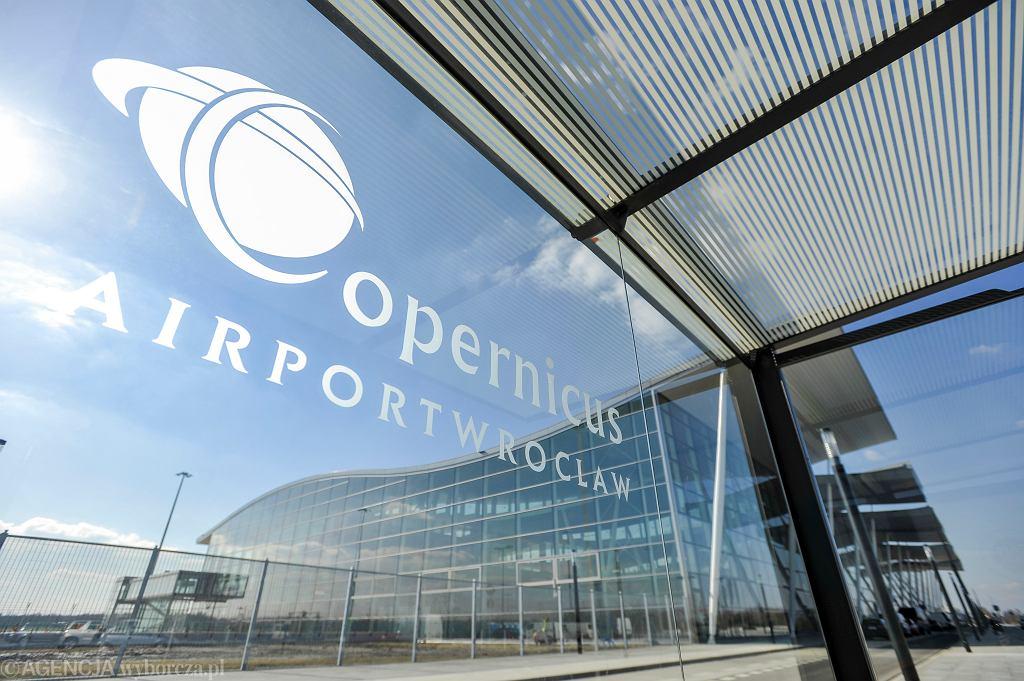 Lotnisko we Wrocławiu jako pierwsze w Polsce wprowadziło szybkie testy antygenowe