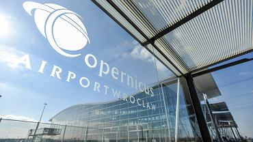 Lotnisko w Polsce ma sposób na ominięcie kwarantanny. Testy na COVID-19 po przylocie
