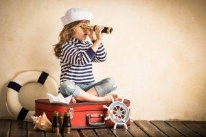 Co zabrać na wakacje, żeby dziecko się nie nudziło? [OD NIEMOWLĘCIA DO NASTOLATKA]