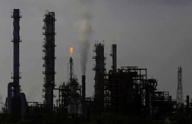 Ropa tanieje. Najniższy poziom od kwietnia. W Rosji obawy