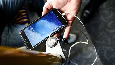 Smartfon / Zdjęcie ilustracyjne