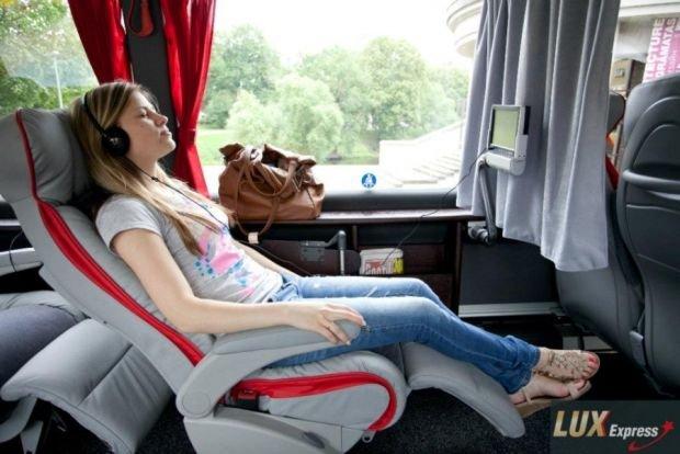 Nowy przewoźnik Lux Express wjeżdża do Polski, na razie tylko na trasie Warszawa-Kraków.