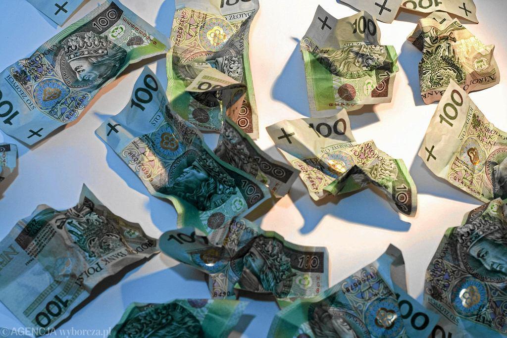 Banknoty stuzłotowe