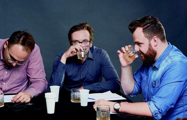 Statesman to supermęska whisky, o zapachu noża i siekiery - uznał Michał.