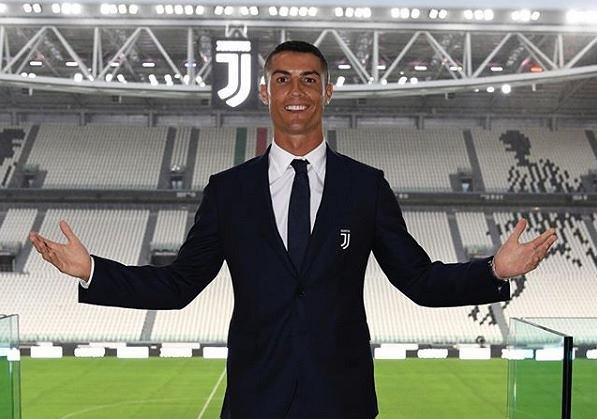 96d523e65 Zdjęcia Cristiano Ronaldo na liście top 5 najpopularniejszych na  Instagramie w historii aplikacji