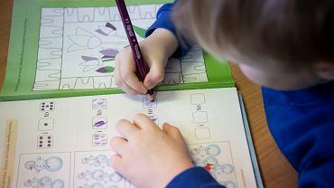 Epidemia koronawirusa. Większa zapadalność dzieci na COVID-19 w związku z brytyjskim wariantem wirusa