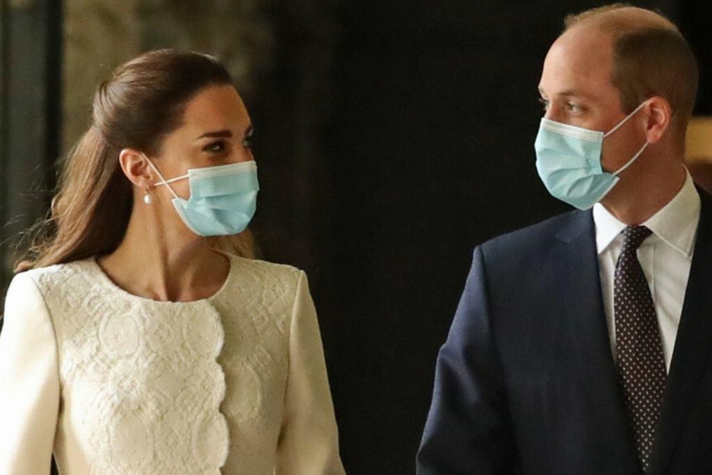 Księżna Kate i książę William w centrum szczepień