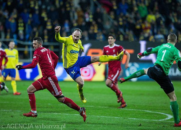 Ekstraklasa. Gol w końcówce odebrał punkt Górnikowi. Legia nowym liderem