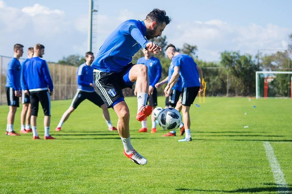Piłkarze Wisły Płock podczas treningu na Cyprze. Na pierwszym planie Nico Varela