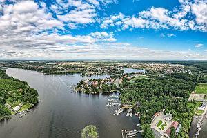 Pięć najpiękniejszych jezior w Polsce. Idealne na wakacje z rodziną i ze znajomymi
