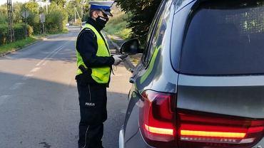 Policja skontroluje trzeźwość kierowców