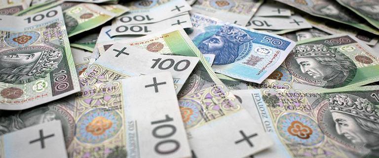 Wybory 2019. Na obietnicach PiS emeryt zyska 10 tys. zł. 100 mld wydatków